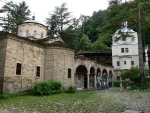 ослепителният троянски манастир