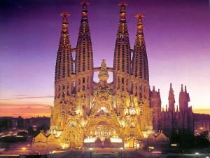 La Familia величествената катедрала на Гауди